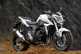 SUZUKI GSR 750 2012 AVAILABLE