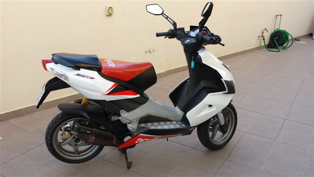 scooter aprilia sr50cc 850 euro 16151en cyprus motorcycles. Black Bedroom Furniture Sets. Home Design Ideas